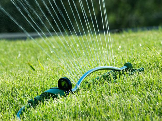 proper lawn watering t t landscaping. Black Bedroom Furniture Sets. Home Design Ideas